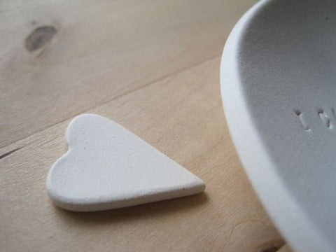 I CARRY YOUR HEART ceramic bowl with token