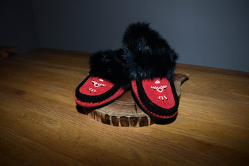 Red/Black: Fur Trimmed Moccasin