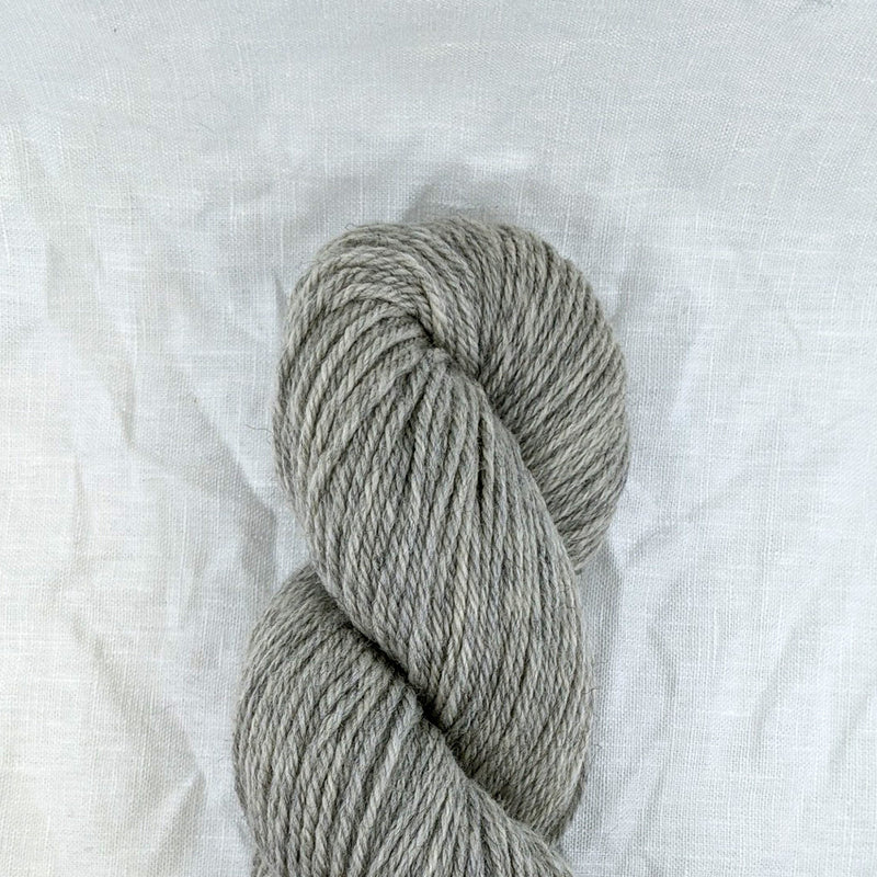 cascade yarns 220 worsted 10ply 100% wool yarn and co victoria australia silver grey