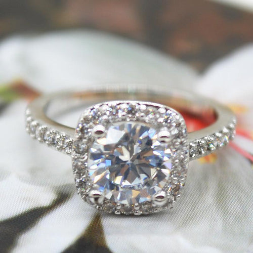 2.00 CT Cushion-Cut Queen White Swarovski Elements Engagement Ring