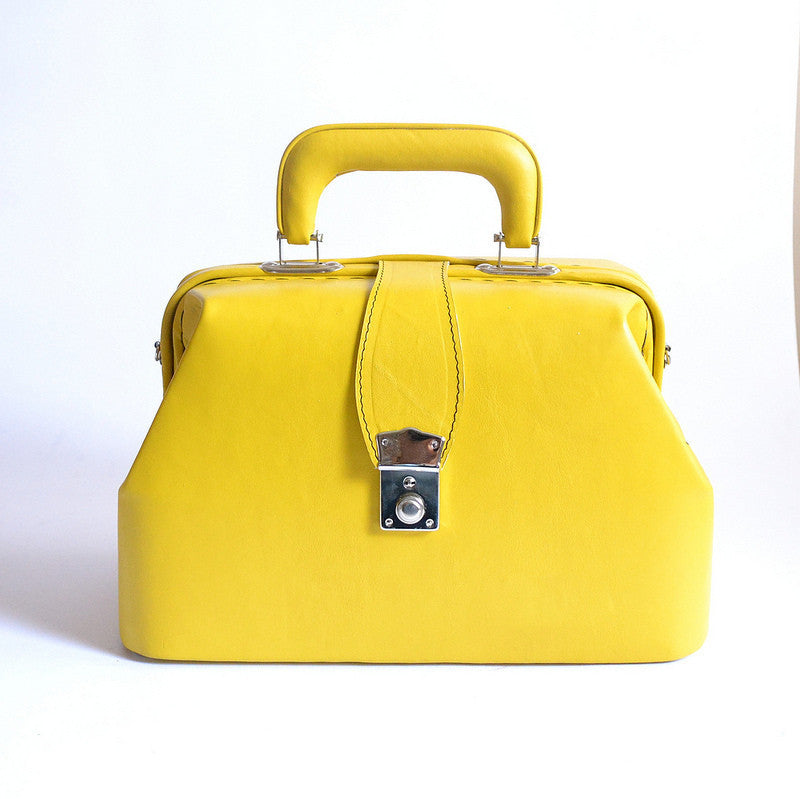 HELPSY :: Golden Ponies :: Hard Leather Doctor Bag