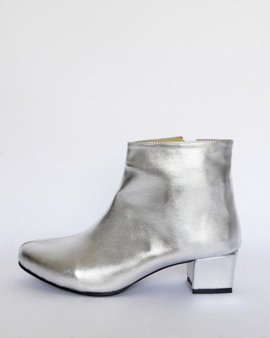 Vegan heeled ankle boots