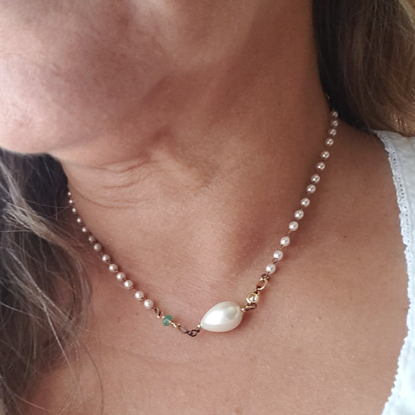 Perlia Blanca Necklace