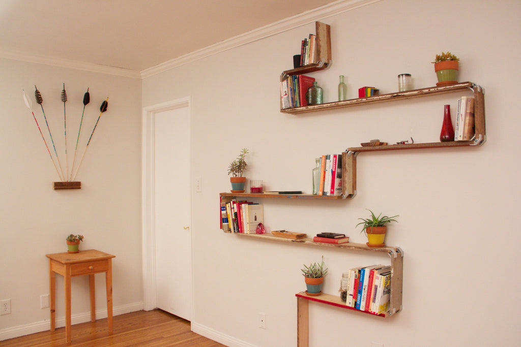 DIY reclaimed wood wall shelf with PLY90 plywood clip bracket