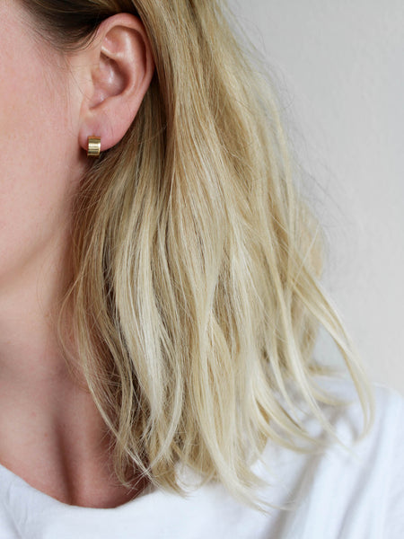 New in / Simple band earrings in gold vermeil