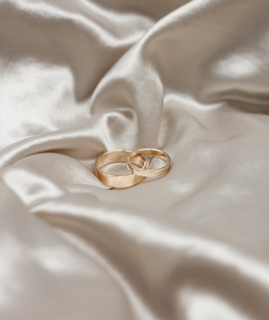 MINIMALIST HANDMADE GOLD WEDDING RINGS BY SWY STUDIO