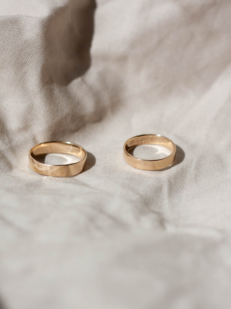 custom wedding rings made by swy studio in copenhagen