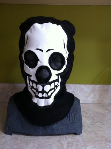 White Skull Balaclava Beanie Mask Black - Carrie's Closet