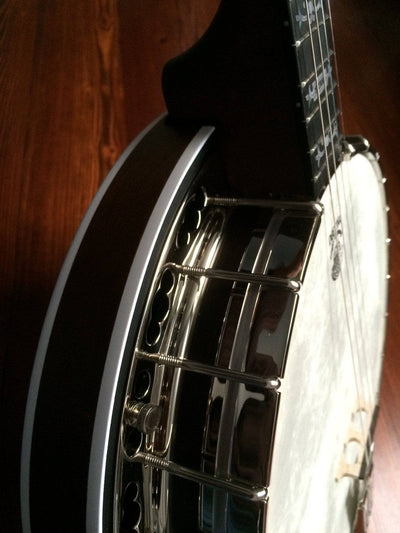 Deering Sierra Maple 19-Fret Tenor Banjo with Tubaphone Tone Ring - Banjo Studio  - 3