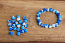 Load image into Gallery viewer, blue tie-dye silicone bead bracelet kit