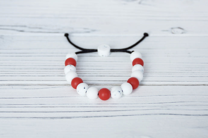 Canada coloured adjustable silicone bead bracelet