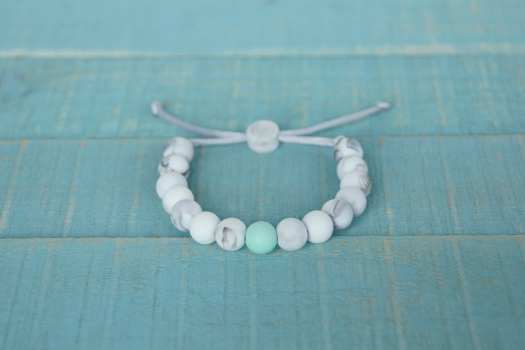 White marble with mint accent bead adjustable silicone bracelet