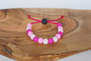 Pink camo adjustable silicone bead bracelet