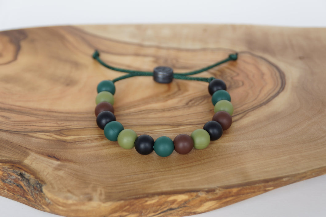 Green camo adjustable silicone bead bracelet