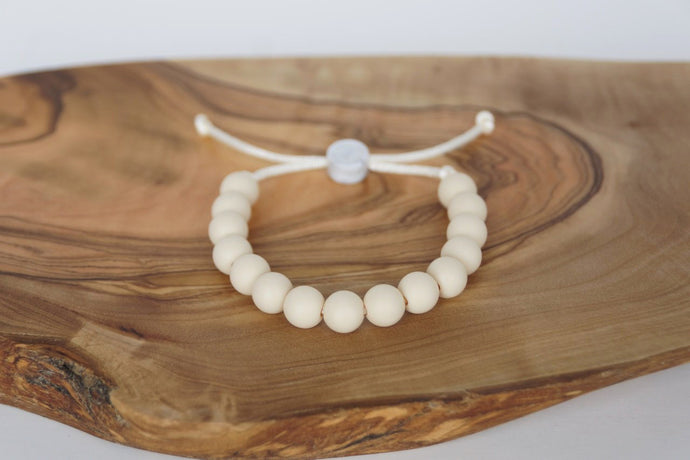 Light wood colour adjustable silicone bead bracelet