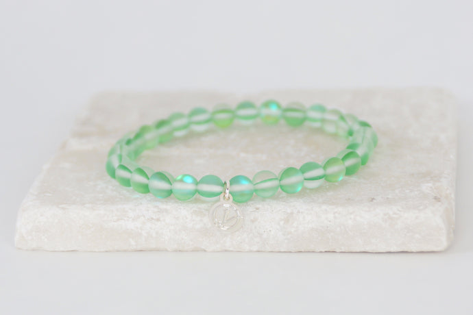 Green moonstone bracelet on elastic