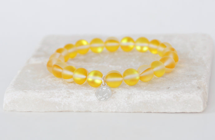 Yellow moonstone bracelet on elastic