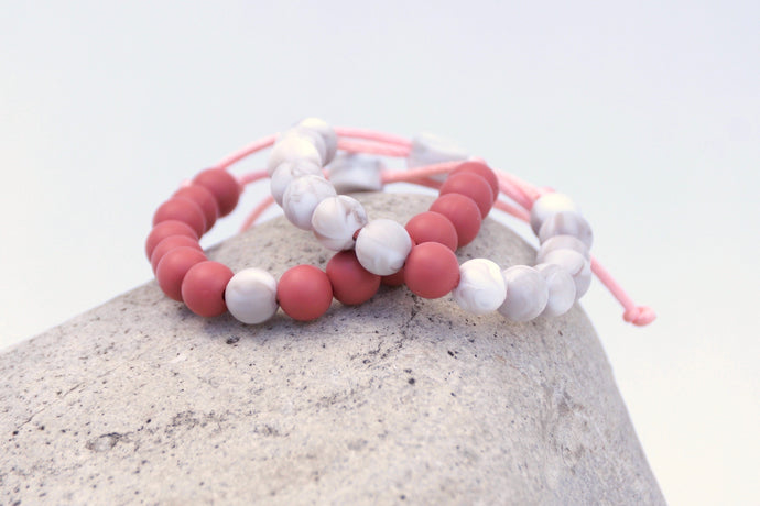 set of 2 marble and rose adjustable silicone bead bracelets