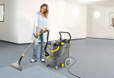 Karcher Puzzi 30/4 extraction cleaner