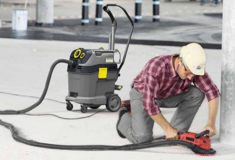 Karcher NT 65/2 Tact² vacuum in use