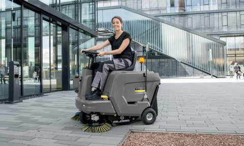 Karcher KM 85/50 R Bp sweeper in use