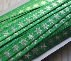 Metallic Printed Foldover Elastic-Emerald with Silver Snowflakes