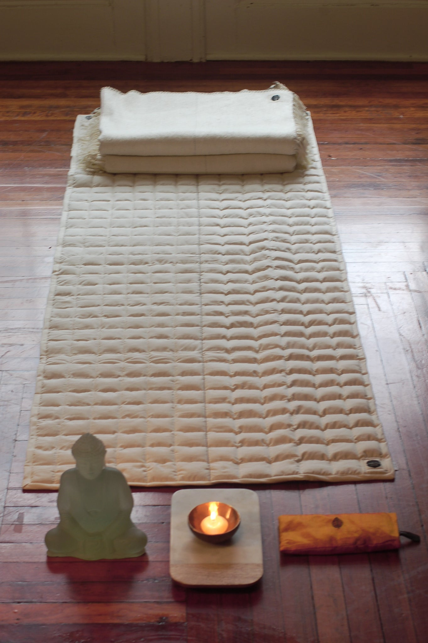 Organic cloud ten quilted yoga mat topper