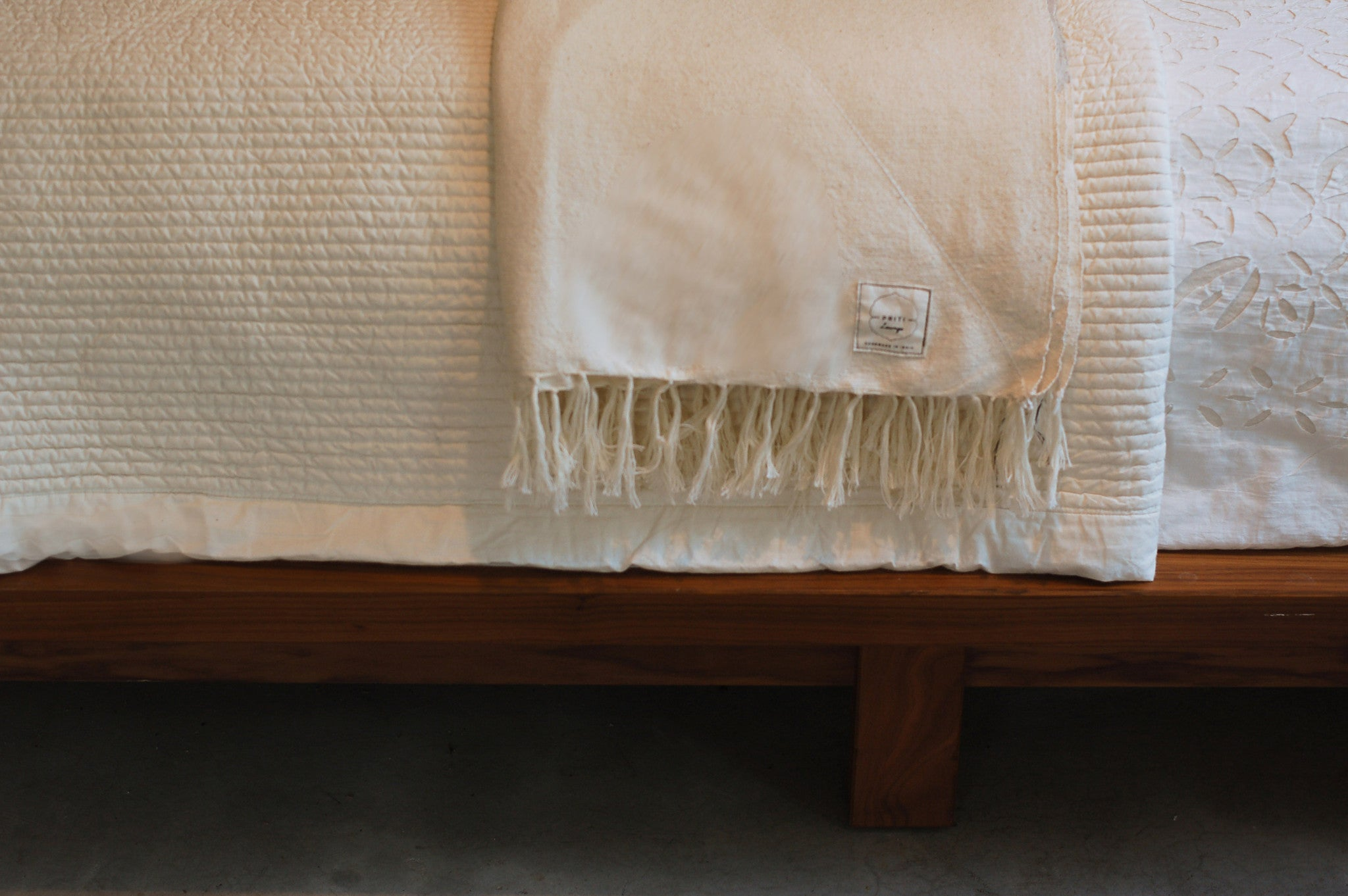 Handloomed, 100% cotton Level 4 sanctuary blanket. color : natural with light gray accent