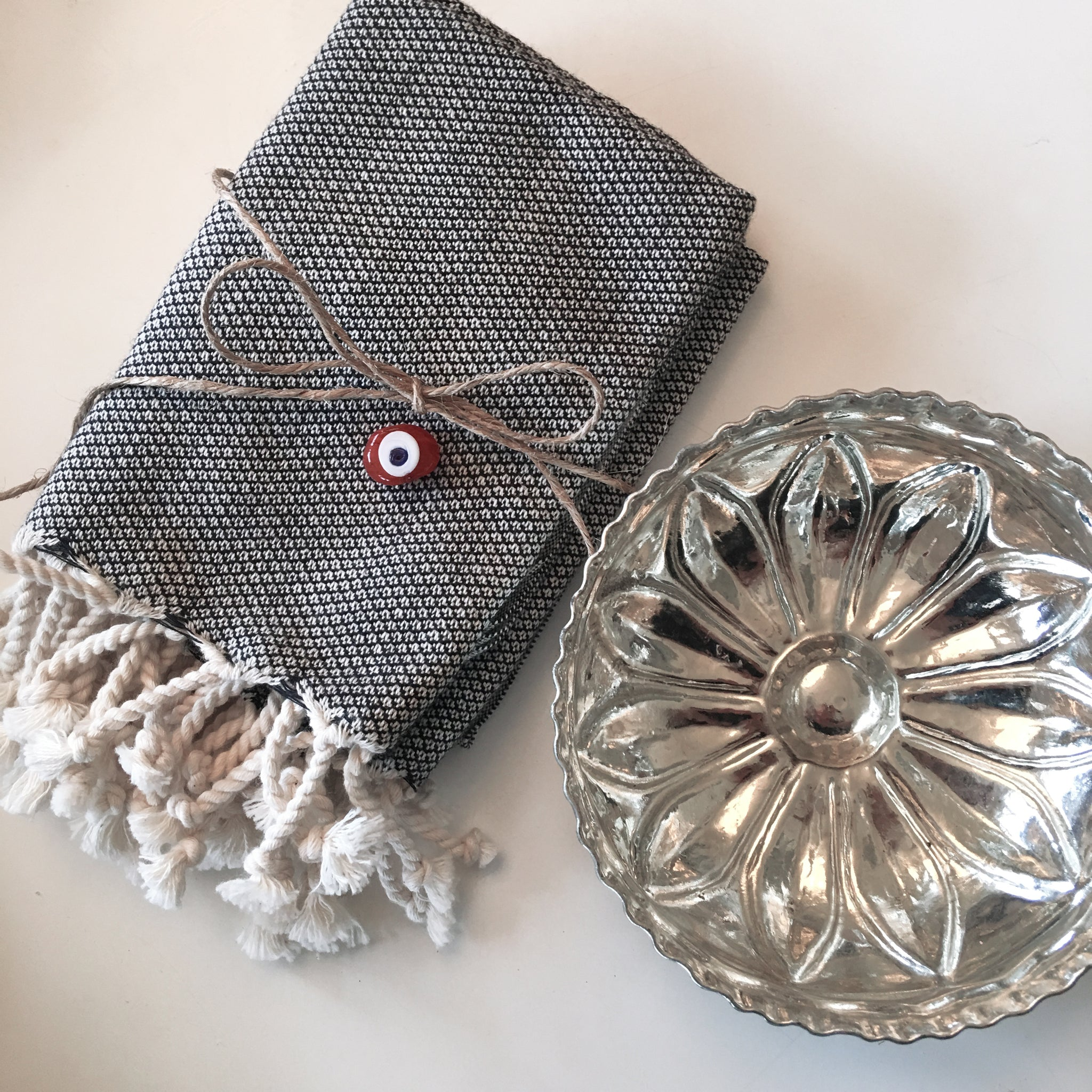 New! Gift Set: 2 Turkish Handwoven Hand Towels & Turkish Bath Bowl Set
