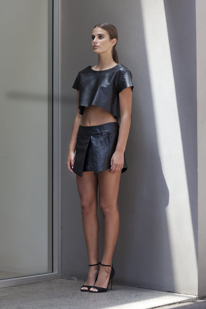 Image of 'Beat' Pleated Skirt in Black Lambskin Leather - Side