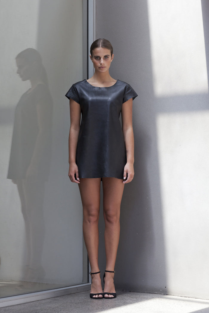 Image of Big Sky Tee Dress in Black - Front