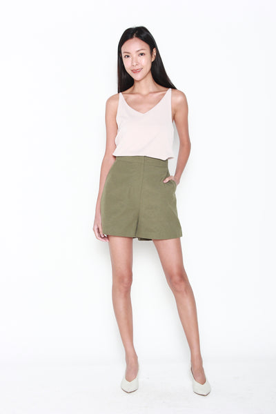 Laura Shorts in Olive