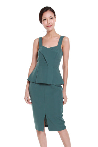 Jessica Center Slit Peplum Dress in Emerald