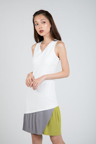 Quin Tri Colour Block Pleated Dress in Cream