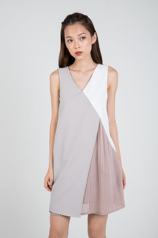 Sara Pleated Colour Block Shift in Nude