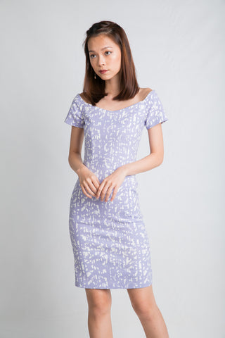 Ava Off Shoulder Prints Dress In Lilac