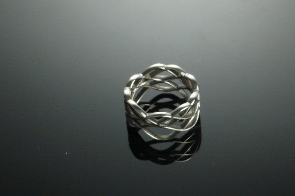 Skater's Waltz ring in silver