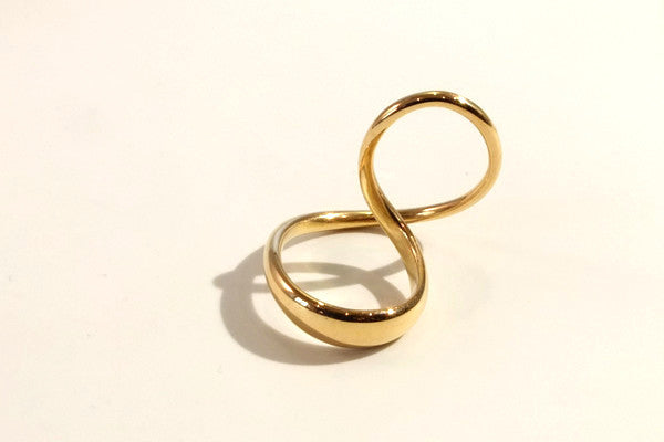 Leaning Over gold ring