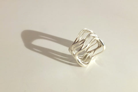 Skater's Parallel ring in silver