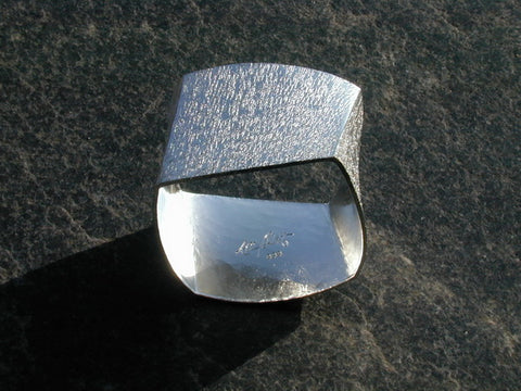 Four Edges bangle in silver