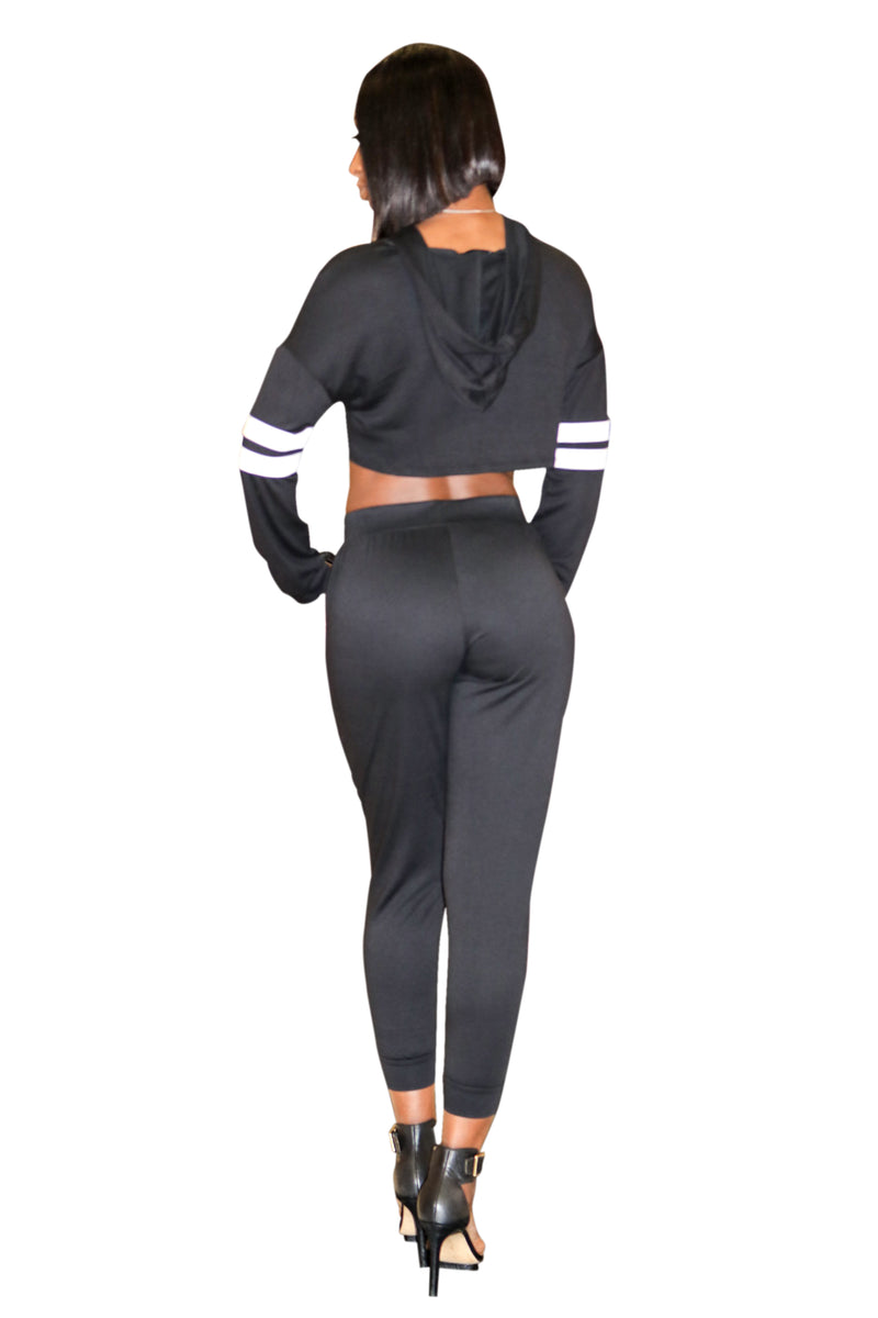 black cropped set, Crop top hooded set, hooded crop top, two piece pant set, sweat pants, jogging set, relaxed wear, black joggers, black crop top set, black hoody, sexy two piece set, boutiques near me, chill wear, chill wear for ladies, Atlanta boutiques, boutiques in Lawrenceville, stylish jogging set, taisheree