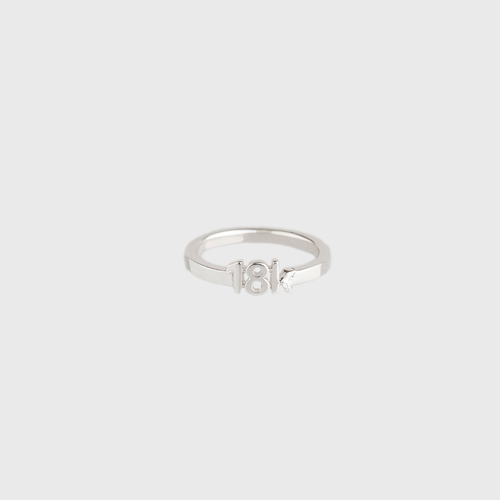 "CA ""18K"" logo 18 Karat White Gold Ring"