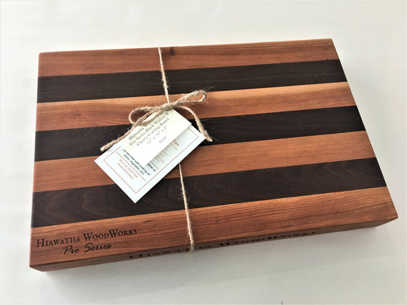 Hiawatha WoodWorks Pro Series Black Walnut & Cherry Cutting Board 12″ x 18″ x 2″