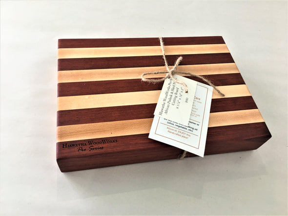 Hiawatha WoodWorks Pro Series African Padauk & Hard Maple Cutting Board 8 1/2″ x 12″ x 2″