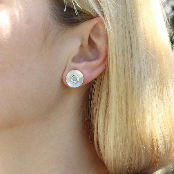 Dished Disc with a Knot Post Earring