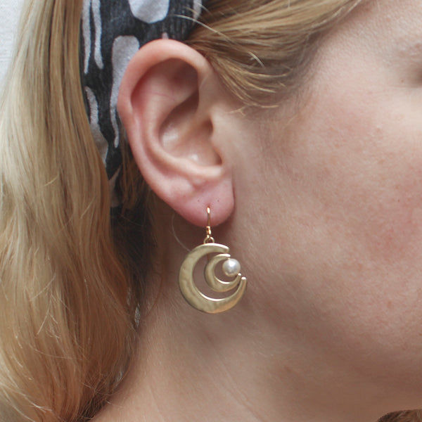 Graduated Crescents with Cream Pearl Earring