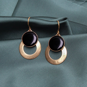 Ring with Medium Black Cabochon Wire Earring