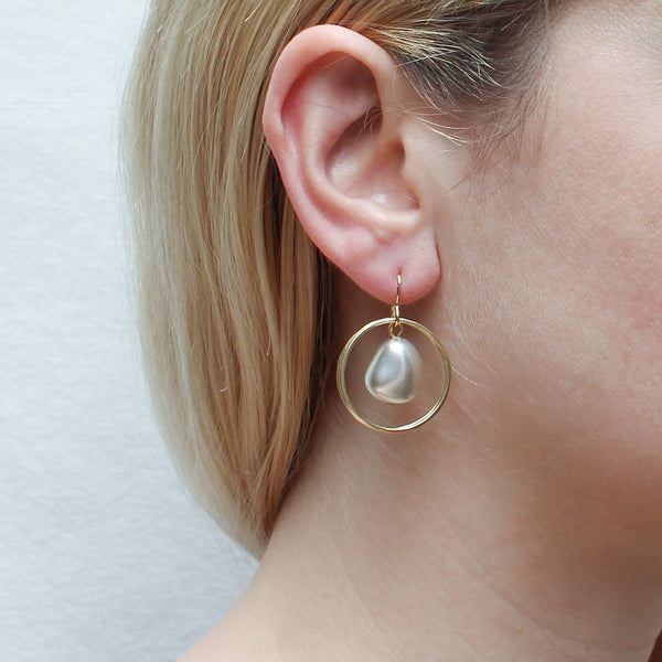 Two Rings with Organic Grey Pearl Wire Earring