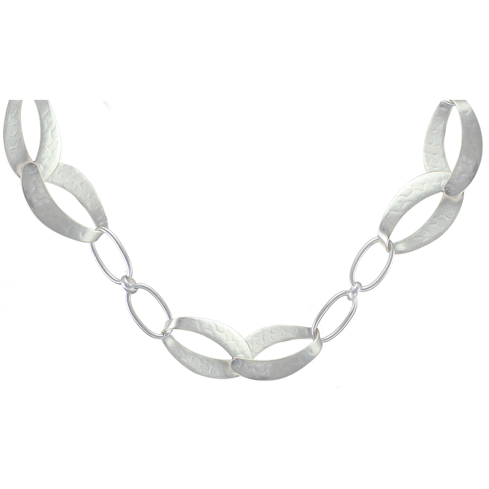 Wide Interlocking Loops with Chain Necklace