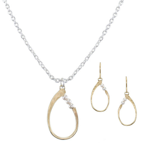 Cute and Contemporary Matching Set - Oval with Pearls Necklace and Wire Earrings